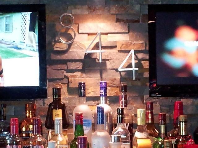 bar back photo