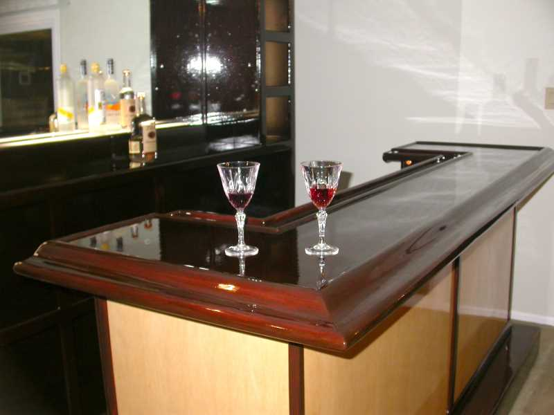 gloss-top-wine-bar