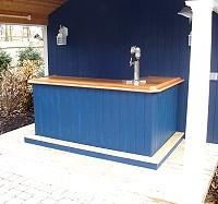 poolside beer bar