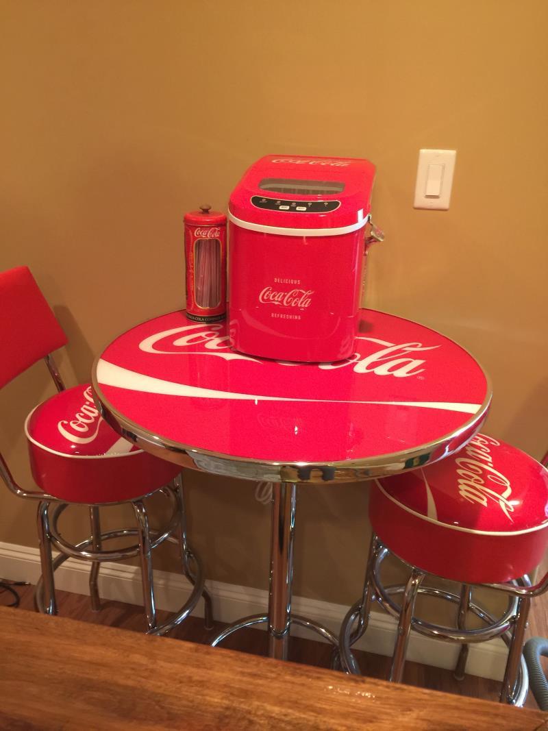 coca cola bar table