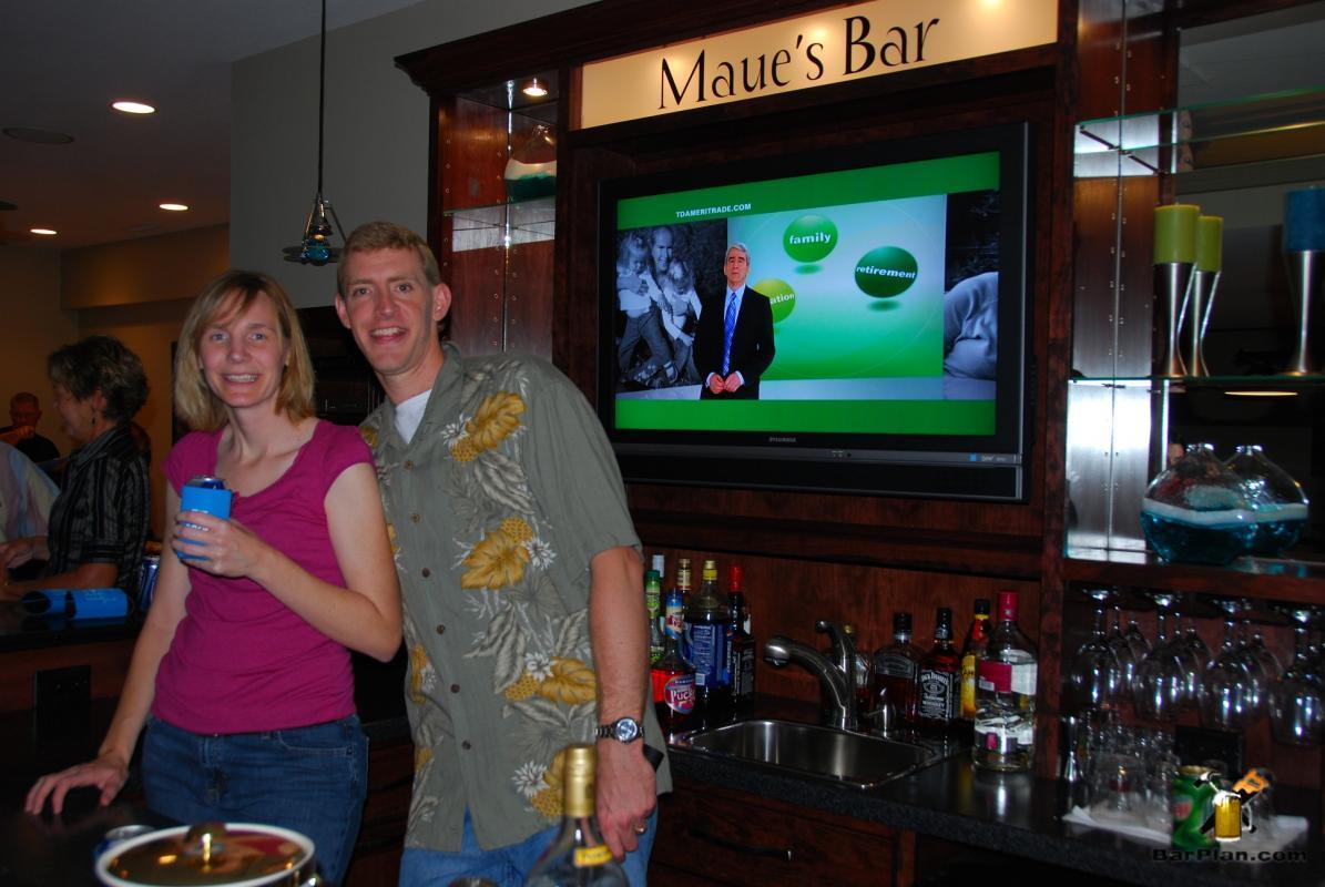 Maue's classic home bar