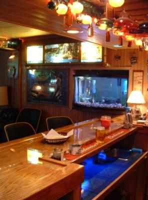home bar with fish tank and hamms scenerama