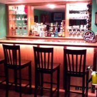 oak-and-maple-bar