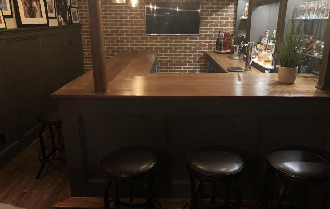 Mike's U-Shaped Bar